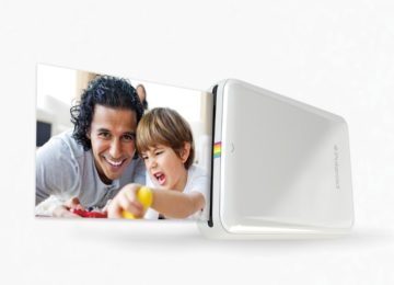 Print pictures instantly from your smartphone onto the Polaroid ZIP printer